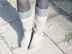 DIY tutorial: How to Knit Boot Cuffs via en.DaWanda.com