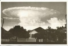 Jacarezinho com amor - UOL Fotoblog - Foto de Nuvens em Forma de Explosão Atômica - Avenida Manoel Ribas - 1960