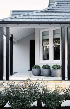 House entrance design white trim 40 Ideas for 2019 Exterior Paint Schemes, House Paint Exterior, Exterior Paint Colors, Exterior House Colors, Modern House Exteriors, House Ideas Exterior, Modern House Colors, White Exterior Paint, White Exterior Houses