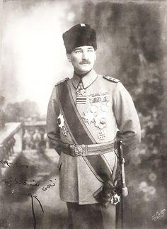 Füreya'ya Göre 'Atatürk, Yalnız, Tek Adam' – MustafaKemâlim