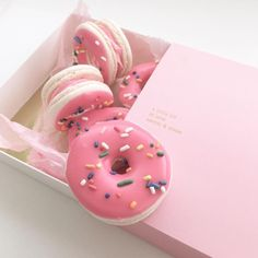 Donut worries  are zero right now. Donut macaron thoughts are plenty though!!