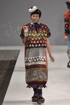 Momo Wang – Central St Martins BA Fashion Press show 2011 |