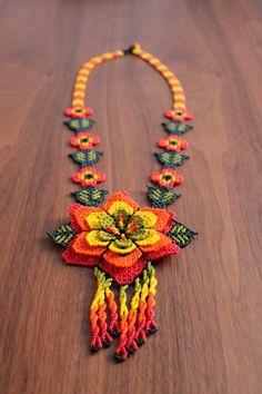 Un favorito personal de mi tienda Etsy https://www.etsy.com/mx/listing/486886419/mexican-huichol-beaded-necklace-handmade