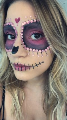 Halloween Makeup For Kids, Halloween Makeup Sugar Skull, Sugar Skull Costume, Theme Halloween, Pumpkin Halloween Costume, Scary Halloween, Halloween Pumpkins, Candy Skull Makeup, Candy Skulls