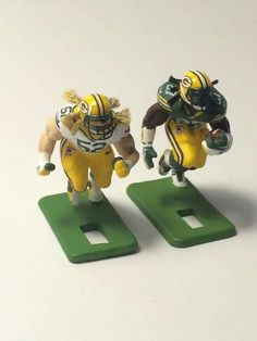 Electric Football, Childhood Games, Roll Tide, Nfl Football, Figure Painting, Scrapbooks, Vintage Toys, Gadgets, Ads