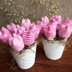 https://flic.kr/p/HdMhGb | 🌺Bom dia com flores pra colorir o dia🌺fuxicochiq🌺  #flores #flowers #corderosa  #feitoamao #handmade #xadrez #poá #floral #fofura #vaso #decor #cute #fuxicochiq #tulipa #tissu #tecido #estampado #estampabacana #inlove #colorindo