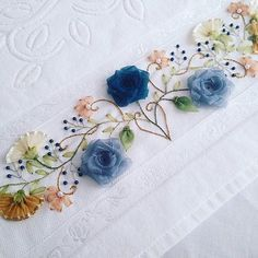 SEVİLAY ÇALIŞKAN @ribbon.design on Instagram photo October 25 Silk Ribbon Embroidery, Hand Embroidery Designs, Embroidery Applique, Embroidery Patterns, Lace Beadwork, Polish Folk Art, Thread Painting, Ribbon Work, Cutwork