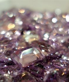 PANTONE Color of the Year 2014 - Radiant Orchid decor mmm...a year of Ametrine...yummy!