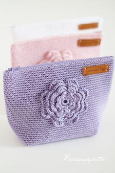 Prinsessajuttu: Kesäisiä kosmetiikkapusseja Crotchet Bags, Diy Phone Case, Cute Diys, Paint Designs, Cute Designs, Pattern Paper, Cross Stitching, Diy Design, Pattern Design