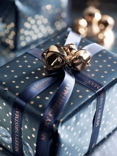 perfect Christmas wrapping #Luxurydotcom More