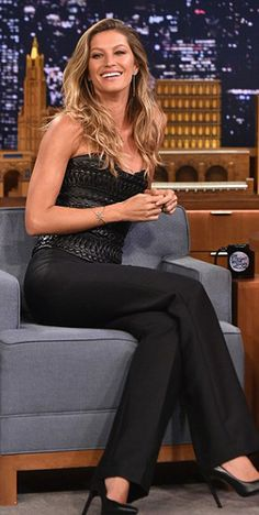 Gisele Bündchen in Alexandre Vauthier Couture – The Tonight Show Starring Jimmy Fallon (4 Sep 2014)