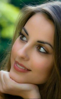 Alonso Most Beautiful Faces, Beautiful Eyes, Gorgeous Women, Simply Beautiful, Absolutely Stunning, Girl Face, Woman Face, Portrait Photos, Color Portrait