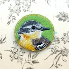 wagtail bird brooch needle felted embroidered animal door cOnieco