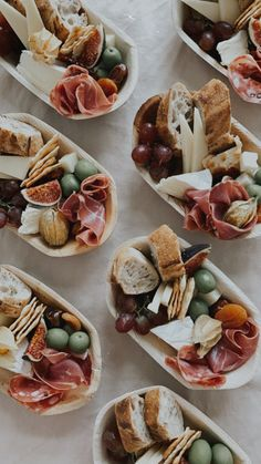 Charcuterie Recipes, Charcuterie And Cheese Board, Catering Recipes, Party Catering, Catering Ideas, Party Food Platters, Catering Platters, Party Food Buffet, Snacks Für Party