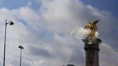 Der Champs Elysees in Paris gehört zu den schönsten Prachtstraßen dieser...