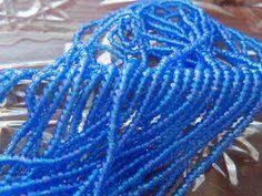 Size 11/0 True Cut/Charlotte TRANSPARENT BLUE AB-Iris-Rainbow Preciosa Czech…