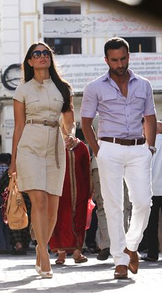 Kareena Kapoor & Saif Ali Khan in Agent Vinod - hot! Bollywood Couples, Bollywood Fashion, Bollywood Saree, Indian Celebrities, Bollywood Celebrities, Western Dresses, Western Wear, Casual Outfits, Summer Outfits