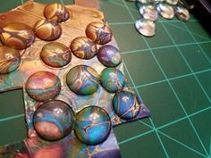 Acrylic Pouring Snap Jewelry Hi Im Jenny and Im a pour-aholic. I know Im not alone (thank you Patricia Fuller! I started pouring last Resin Jewelry Making, Jewellery Making Materials, Jewelry Making Tutorials, Craft Tutorials, Resin Crafts, Jewelry Crafts, Handmade Jewelry, Jewelry Sites, Fun Crafts