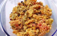 Tra le più antiche ricette di contorni salentini abbiamo i piparussi muddhricati, ovvero i peperoni con la mollica: un gustoso contorno facile da preparare.