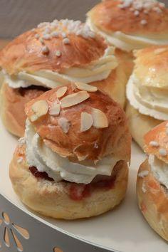 Celebration Treats 4U: Oikeanlainen laskiaispulla? Finland Food, Cinnamon Rolls, Deli, Donuts, Hamburger, Celebration, Bread, Frost Donuts, Beignets