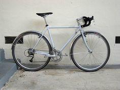 Surly Cross-Check für HosenanzugträgerInnen Surly Cross Check, Surly Bike, Bicycles, Projects, Log Projects, Bicycle, Riding Bikes