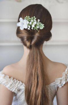 white-bridal-comb-flowers-gypsophila-head-piece-back-white-piece-wedding-rustic-hair-small-flowers-head-fern-comb-wedding-white-1700-usd.jpg (900×1393)