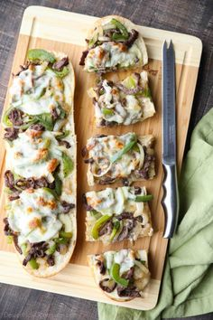 Philly Cheesesteak French Bread is a delicious open-faced sandwich with plenty of juicy meat, crisp veggies, and melty cheese for an easy dinner that is sure to satisfy! Bread Appetizers, Appetizer Sandwiches, Sandwiches For Lunch, Open Face Steak Sandwich Recipe, Steak Sandwich Recipes, Philly Cheese Steak Sandwich, Meat Sandwich, Beef Recipes, Soup Recipes