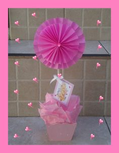 centros de mesa,,15 años bautismo,babyshower,nacimientos,cum Flower Wall Wedding, Baby Shawer, Ideas Para Fiestas, Diy Party Decorations, Baby Shower Favors, Kids And Parenting, Diy Room Decor, Paper Flowers, Centerpieces