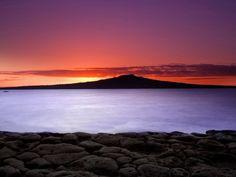 sunrise-on-aucklands-north-shore.400x300.jpg 400×300 pixels