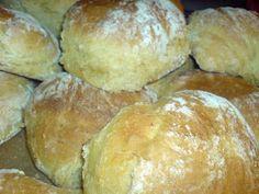 Det blir saftiga bröd av morötterna! Dessa gillas av hela familjen... ...bra för magen dessutom, med lite fibrer! Lös upp 1 pkt jäst i 5 dl...