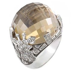 Carrera y Carrera Smokey Quartz Diamond White Gold Giraffe Ring set in the white gold, is a faceted ~28.46ct smokey quartz stone.