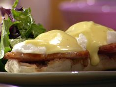 Get this all-star, easy-to-follow Eggs Benedict recipe from Anne Burrell.