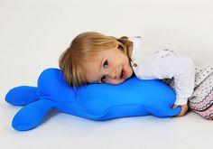 #Poduszka przytulanka #dla_dzieci w kształcie króliczka, nadaje się do kąpieli jak również do pomalowania przez #dziecko, Culto