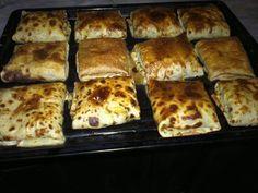 Ingrédients: 3 œufs 250 g de farine 50 cl de lait 2 c à s de huile beurre fondu Pour la farce: poulet effrité persil olive noir poivre sel fromage sauce bé