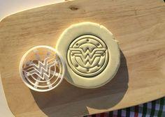 Wonderwoman Wonder Woman Cookie Cutter Cupcake Topper Fondant Gingerbread Cutter   Home & Garden, Kitchen, Dining & Bar, Baking Accs. & Cake Decorating   eBay!