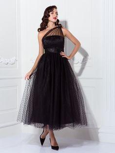 Robe - Noir Bal de finissants/Soirée formelle/Fête de mariage A-line/Princesse Épaule asymétrique Longueur cheville Tulle Grandes tailles - USD $74.99