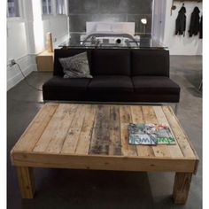1000 images about skid furniture on pinterest wood for Skid pallet furniture