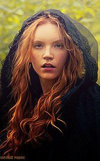 Salem: Anne Hale (Tamzin Merchant)..  Ahhhh! Her hair!
