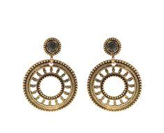 Golden Basics Earrings 4,99€ http://www.parfois.com/en/collection/golden-basics-earrings/?id=51&idp=181969