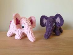 En dejlig hækleopskrift på en hæklet Sebra look-alike elefant i miniudgave… Crochet Baby Hats, Crochet For Kids, Diy Crochet, Crochet Toys, Crochet Elephant, Mini, Knitted Animals, Weaving Patterns, Baby Crafts