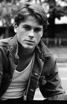Rob Lowe Was + Still Is The Most Beautiful Person In The World! Rob Lowe + is still the most beautiful person in the world ! Beautiful Person, Beautiful Boys, Pretty Boys, Gorgeous Men, Beautiful People, X23 Logan, Die Outsider, Male Icon, Actrices Hollywood