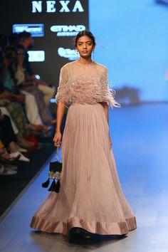 Ridhi Mehra at Lakmé Fashion Week summer/resort 2018
