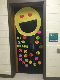 Emoji door for 2nd grade. : door emoji - pezcame.com