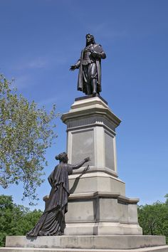 Statue of Roger Williams in Providence, Rhode Island