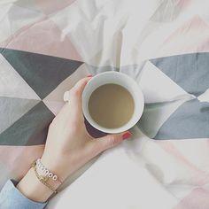 Goooood Morning ️ Hamburg ️ Gleich geht's erstmal ne Runde an die Elbe joggen.Macht es Euch fein  #butfirstcoffee #coffee #coffeetime #details #germaninteriorbloggers #goodmorning #gutenmorgen #Hamburg #hh #home #inspohome #instadaily #instahome #instainspo #instamood #interior #myhome #saturday