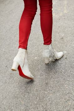 Louboutin fringe boots and red leggings. Fringe Boots, Dream Shoes, Mode Style, Fashion Boots, Passion For Fashion, Christian Louboutin, Louboutin Shoes, Me Too Shoes, Shoe Boots