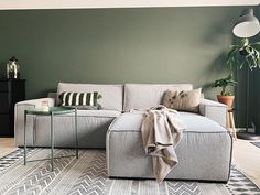 Living Room Green, Living Room Colors, Living Room Designs, Küchen Design, Interior Design, Space Saving, Architecture Design, Sweet Home, New Homes