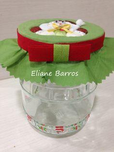 vidro reciclado com tampa trabalhada em patchwork embutido
