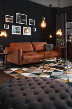 New Living Room, Living Room Sofa, Home And Living, Living Room Decor, Sofa Cognac, Brown Leather Couch Living Room, Home Interior Design, Living Room Designs, Home Furniture