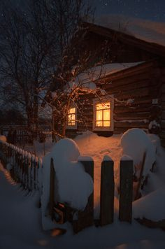 A Rustic Winter cabin Winter Szenen, Winter Cabin, Winter Love, Cozy Cabin, Snow Cabin, Winter Holidays, Cozy Cottage, Snow Scenes, Winter Pictures